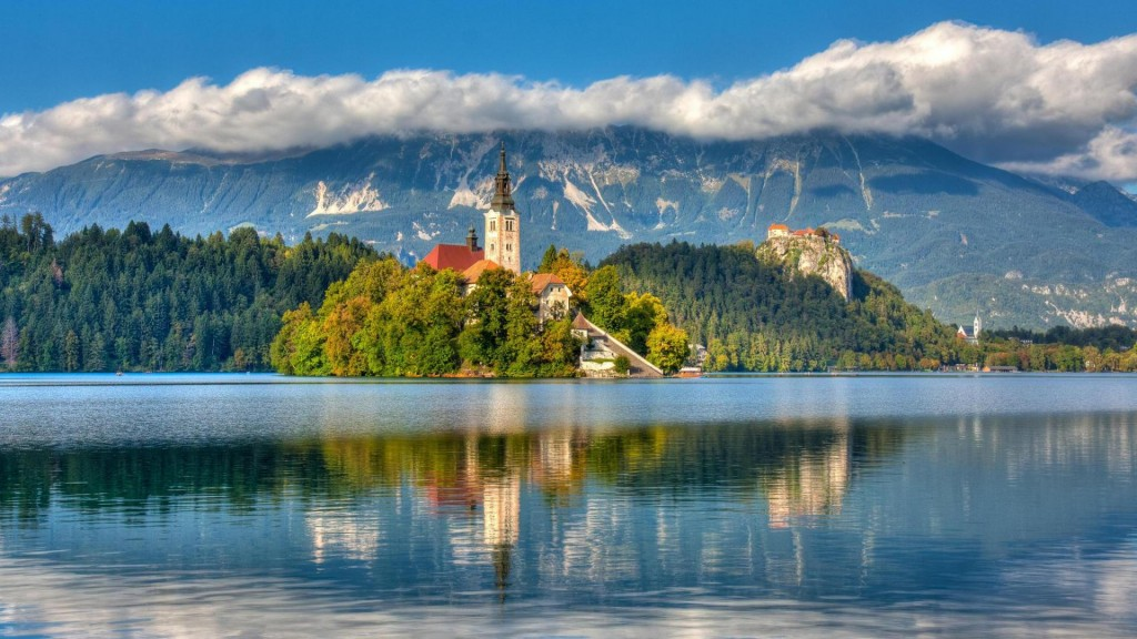 Isl In Lake Bled In Slovenia Hdr HD Desktop Background